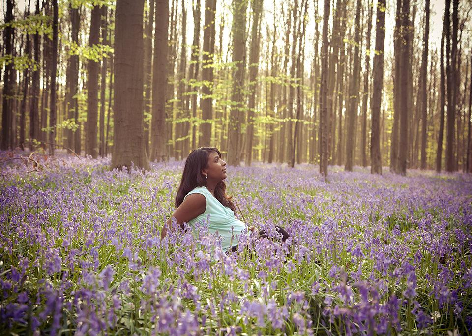 séance photo grossesse dans les bois