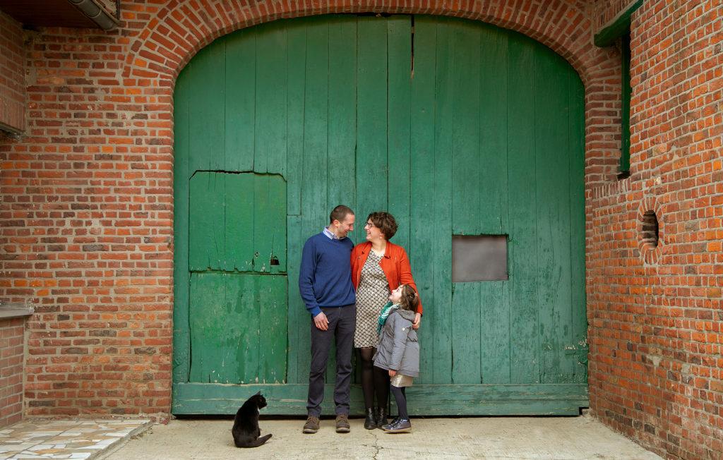 photo de famille dans une ferme