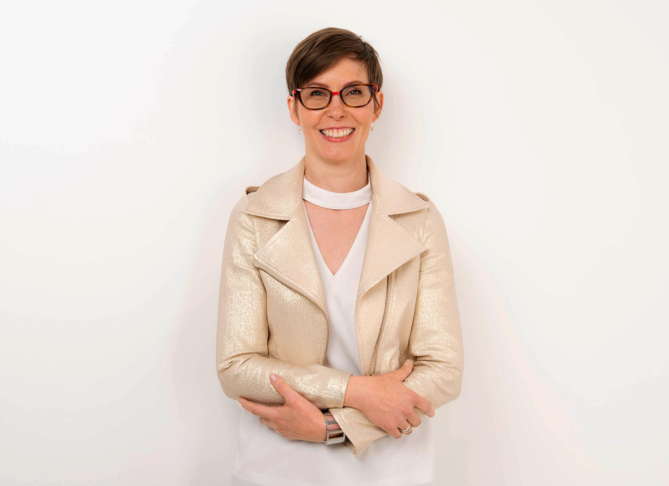photo corporate de femme en studio à Lille