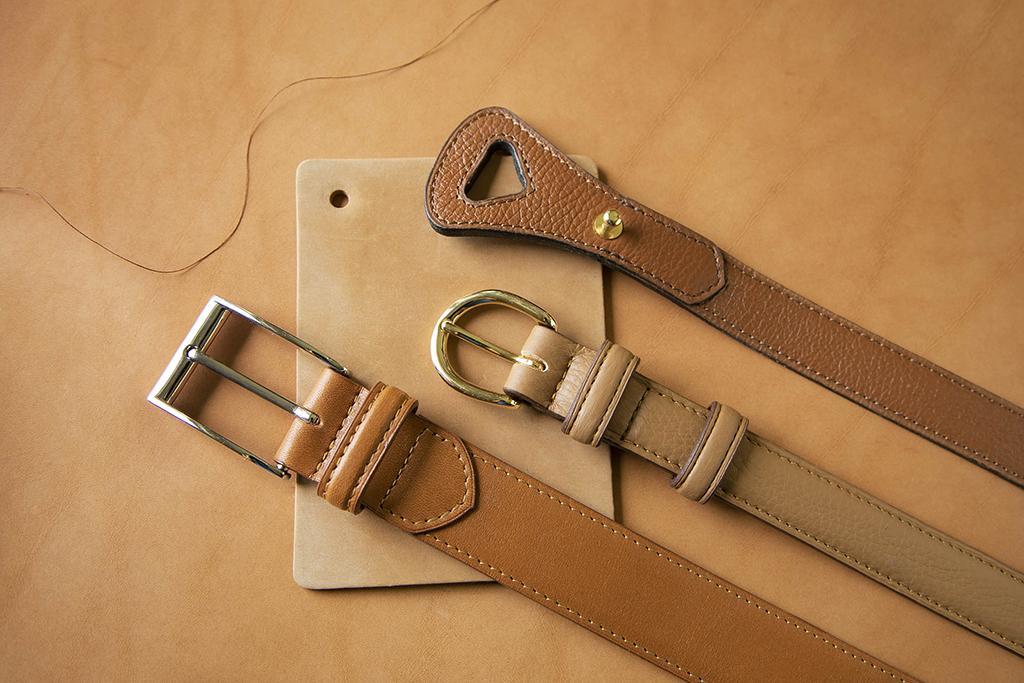 ceinture en cuir fait par un artisan maroquinier